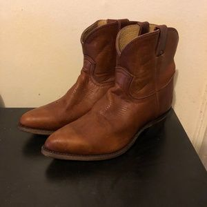 FRYE LEATHER SHORT BOOTS in COGNAC